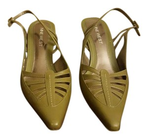 Nine West Olive Green Pumps
