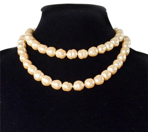 Chanel PEARL NECKLACE - 34