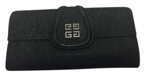 Givenchy Givenchy Black Leather Wallet with fold-over Logo Clasp