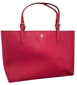 Tory Burch York Saffiano Leather Tote in kir royale (red)