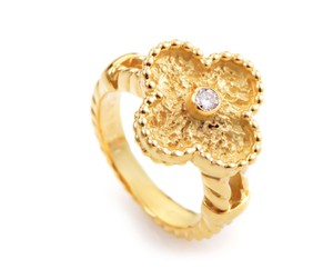 Van Cleef & Arpels Van Cleef & Arpels Alhambra Diamond 18 Karat Yellow Gold Ring