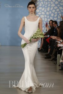 Oscar De La Renta Silk Drape Cowl Back Mermaid Gown Wedding Dress