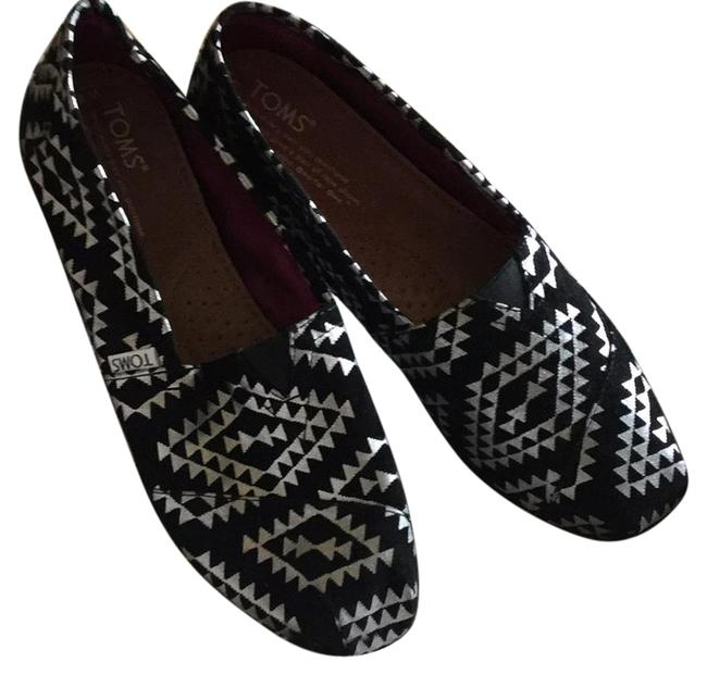 Item - Silver Reina. Black with Silver Designs. Black Soles. Classics Flats Size US 8 Narrow (Aa, N)