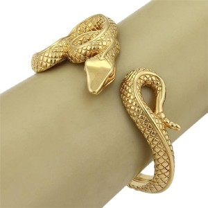 Modern Vintage Estate 14k Yellow Gold Textured Coiled Snake Hinged Cuff Bracelet