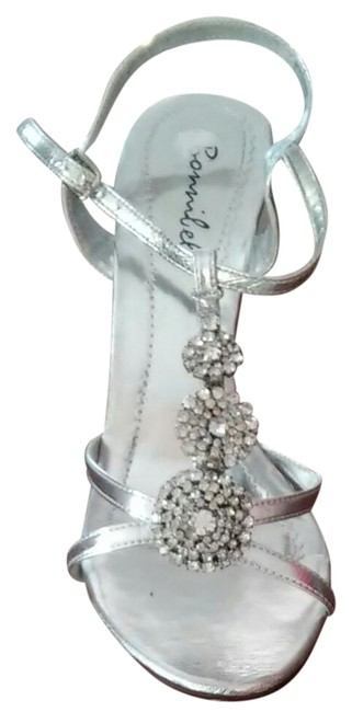 Item - Silver Yvonne Sandals In Pu Formal Shoes Size US 7 Regular (M, B)