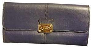 Tod's Tod's Leather Continental Wallet