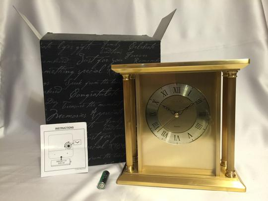 Things Remembered Large Golden Clock; Large Goldtoned Brass Table/Mantle Clock [ Roxanne Anjou Closet ]