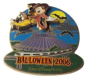 Disney Disney Pin Halloween Haunted Park Minnie Mouse Witch Broom Figaro