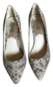 Michael Kors Gray snakeskin Pumps