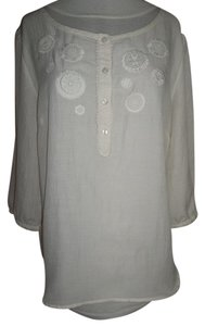 Ann Taylor LOFT Large Color Embroidered Cut Out Flowers Buttons Top Cream