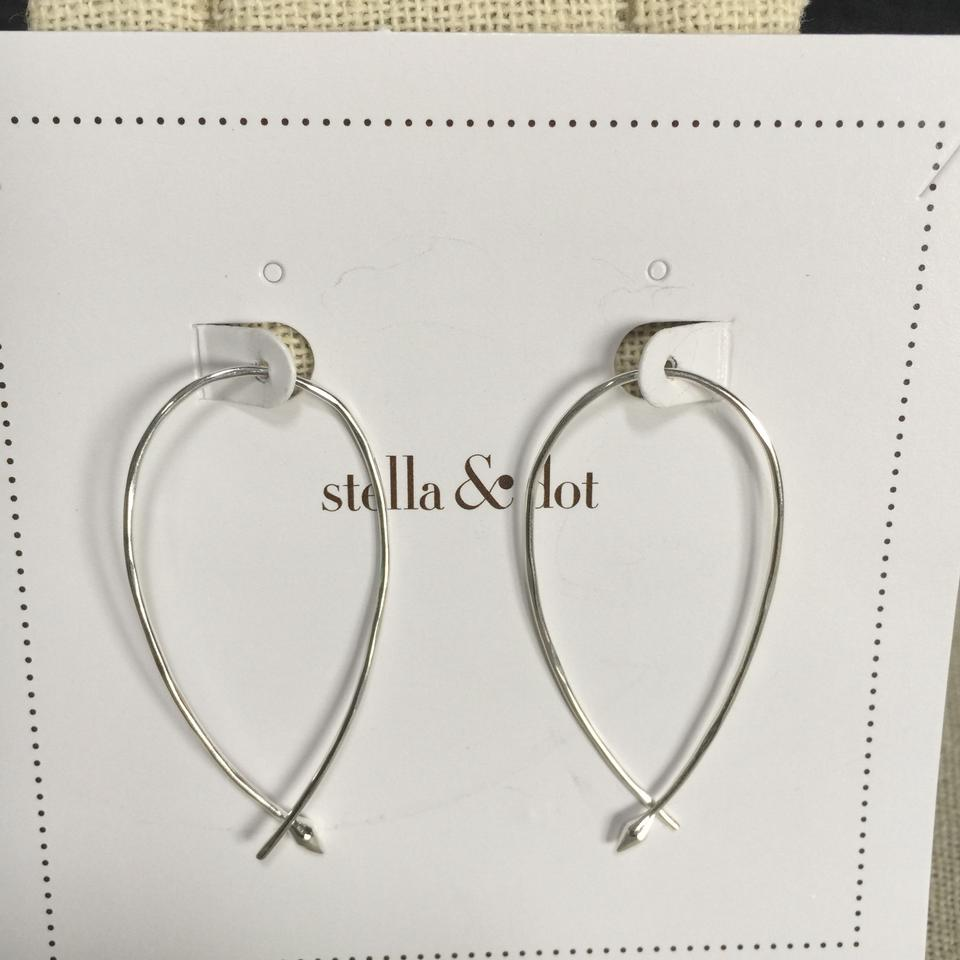 225557e16c3ef Stella & Dot Silver Small Hammered Wire Hoops Earrings