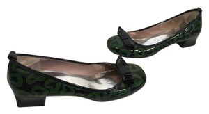Marc by Marc Jacobs Bows Black and green patent all leather covered with hearts E36.5 Pumps