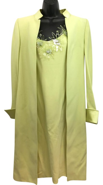 Item - Made In France Floret Appliques Yellow 2-pc. Suit Short Night Out Dress Size 8 (M)