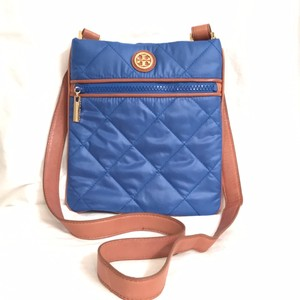 Tory Burch Quilted Nylon Leather Weekend/travel Cross Body Bag