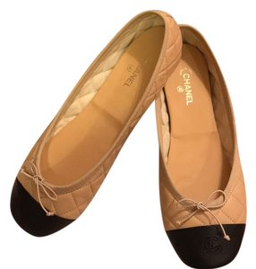 Chanel black/beige quilted leather Flats
