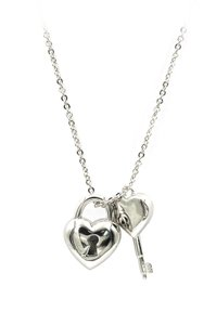 Ocean Fashion Ladies heart lock and key silver necklace