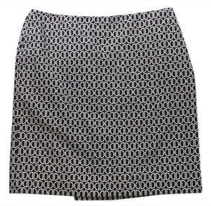 White House | Black Market Printed Pencil Geometric Above Knee Size 14 Mini Skirt Black