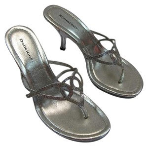 Delicious Size 8.50 Good Condition CLEAR, SILVER Sandals
