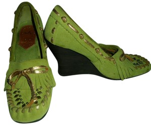 SE Boutique by Sam Edelman Designs Tassles Embleshment Leather Suede green and gold Wedges