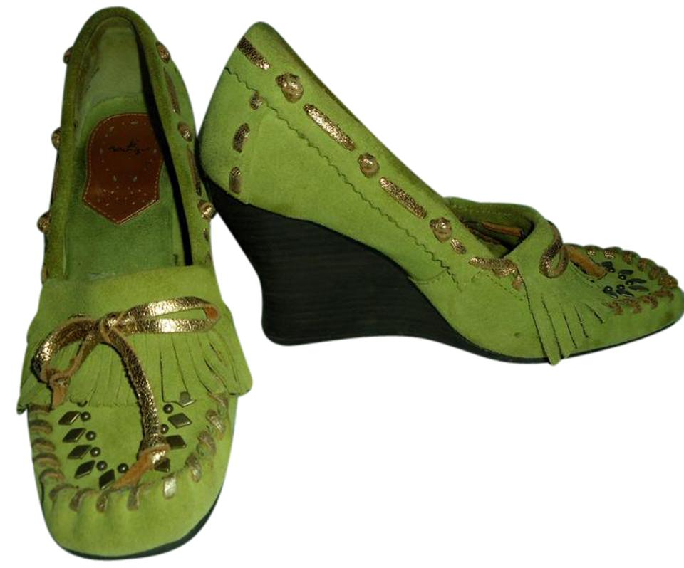2398f67b01157 SE Boutique by Sam Edelman Designs Tassles Embleshment Leather Suede green  and gold Wedges ...