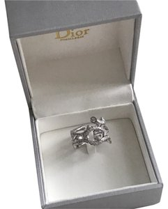 Dior BOIS DE ROSE Ring 18k white gold and diamonds