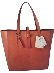 Lucky Brand Dylan Lb2651 Leather Tote in Brown