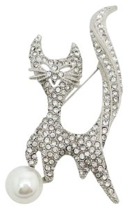 Elle Cross Elle Cross Smiling Cool Cat 125 Czech Crystals Faux White Pearl Brooch