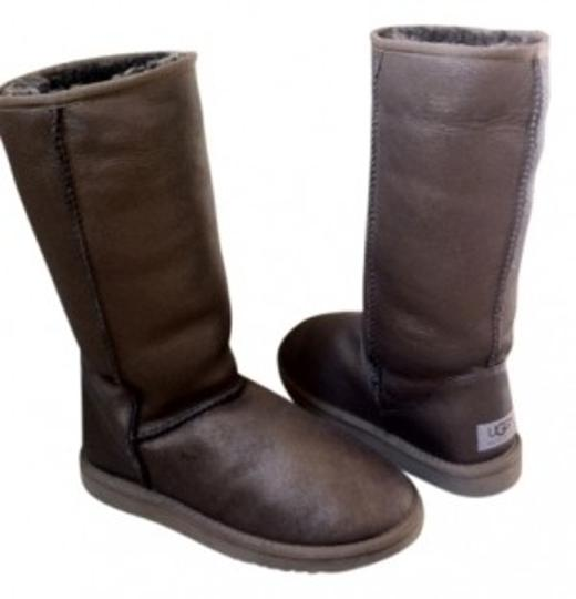 Preload https://img-static.tradesy.com/item/20908/ugg-australia-metallic-bronze-style-no-5823-classic-tall-full-bootsbooties-size-us-7-regular-m-b-0-0-540-540.jpg
