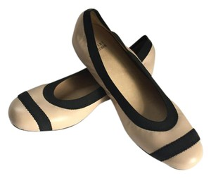 Stuart Weitzman Ballet Nappa Leather Leather Leather Cream w/ black accents Flats