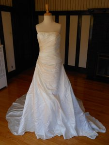 Pronovias Off White Satin Oran Destination Wedding Dress Size 10 (M)