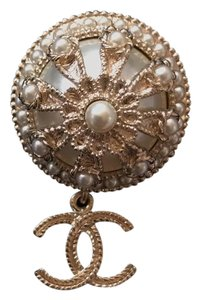 Chanel Chanel Pearl Brooch Brooches / Pin