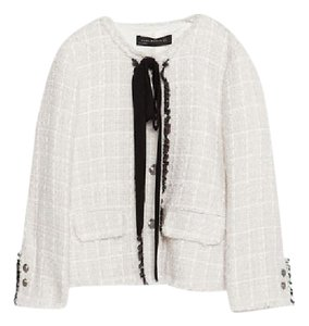 Zara Box Elegant Chanel Off white with black bow Jacket