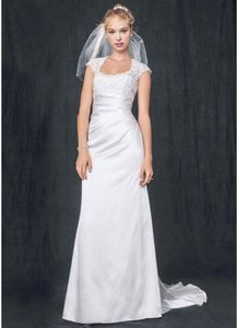 David's Bridal White Charmeuse Slim Gown with Lace Keyhole Back Formal Wedding Dress Size 6 (S)