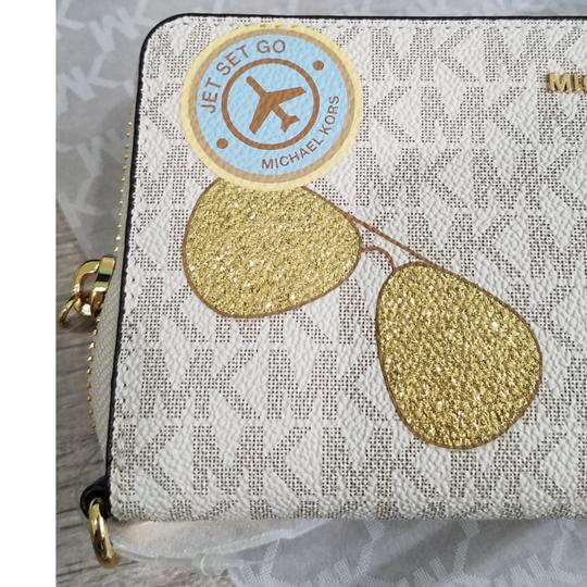 Michael Kors Michael Kors Illustrated Fly Away Travel Continental Wallet Image 10