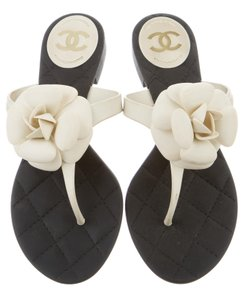 Chanel Interlocking Cc Silver Hardware Houndstooth Camellia Jelly White, Black Sandals