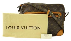 Louis Vuitton M45285 Messenger Reporter Bosphore Cross Body Bag