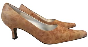 Bellini Leather Classic Work Party Beige, Cream, Pale Yellow Pumps