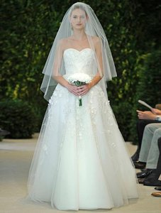 Carolina Herrera Amore 32415 Wedding Dress
