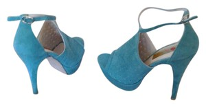 Two Lips Turquoise Platforms