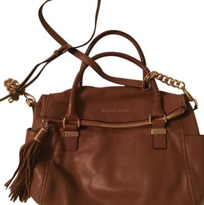 MICHAEL Michael Kors Satchel in Luggage