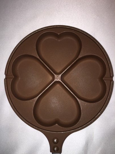 "Other ""LOVE x Four"" Pan; Nonstick Cooking Pan (7.5"" Diameter) [ Roxanne Anjou Closet ]"