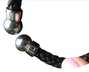 Majorica Leather bracelet with grey pearls