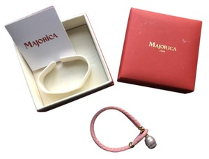 Majorica Pink Leather bracelet with light grey pearl