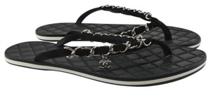 Chanel Flip Flops Quilted Chain Logo Runway black Sandals