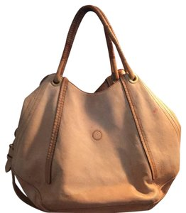 Pour La Victoire Tote in light tan