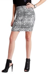 Guess Mini Skirt Black Multi