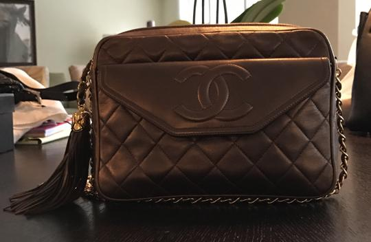 Chanel Quilted Gold Chain Vintage Cross Body Bag Image 1