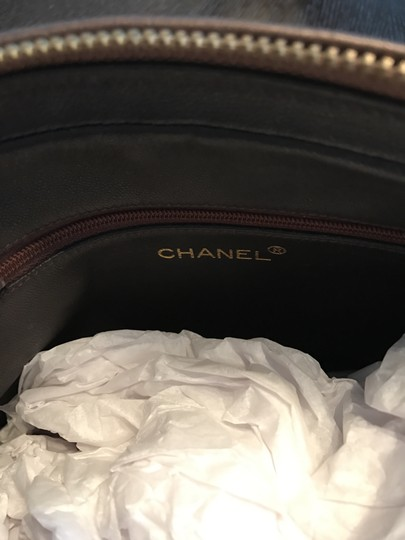 Chanel Quilted Gold Chain Vintage Cross Body Bag Image 3