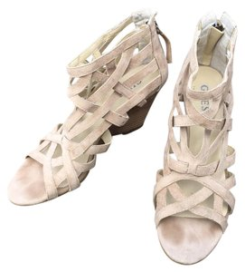 Guess creme Wedges