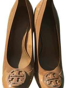 Tory Burch biege Wedges